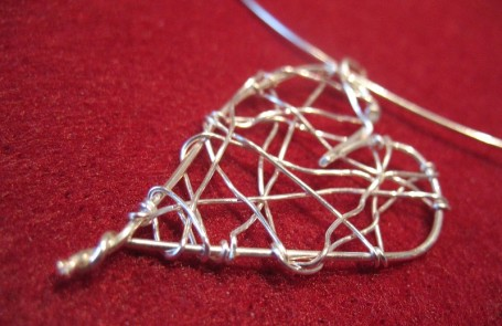 wire heart detail